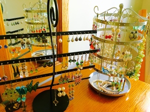 earrings, earring holders