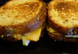grilled cheese, mothers and daughters