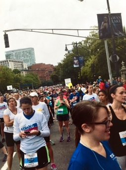 runners, running, women's race