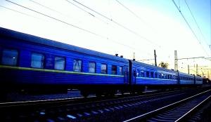 long train, late, train, wedding
