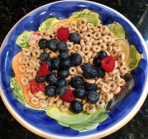 Cheerios, cereal, blueberry